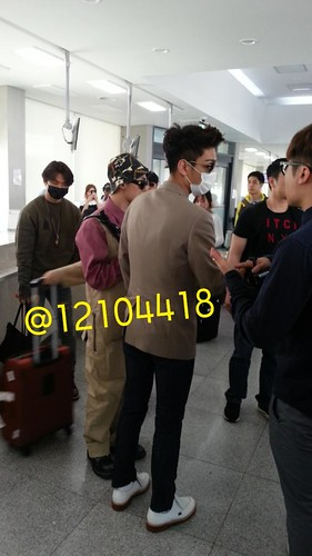 Big Bang - Jeju Airport - 19may2015 - 12104418 - 01
