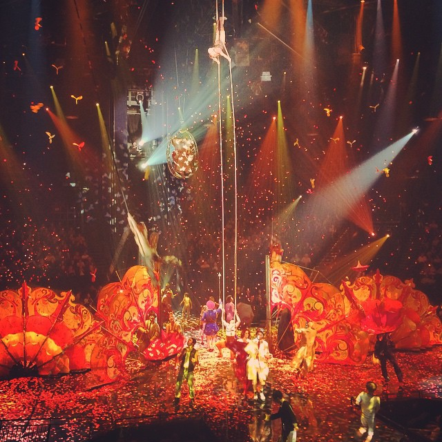 LOVE Cirque du Soleil: A tribute to The Beatles 💚💜❤️💙💛 #TheMirage #cirquedusoleil #wanderentes #travelingjourno #LasVegas #Nevada