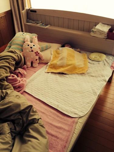赤ちゃんとベッド