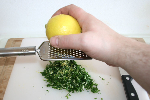 55 - Knoblauch & Zitronenschale hinzufügen / Add garlic & lemon peel