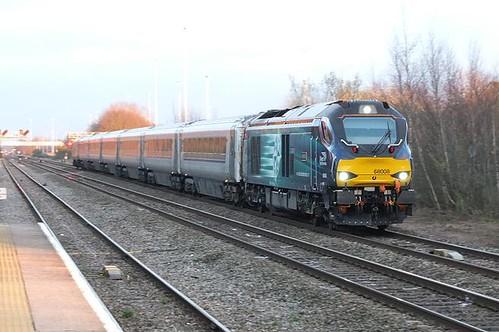 sunset diesel trains locomotive railways drs chilternrailways directrailservices class68 westruislipstation 68008
