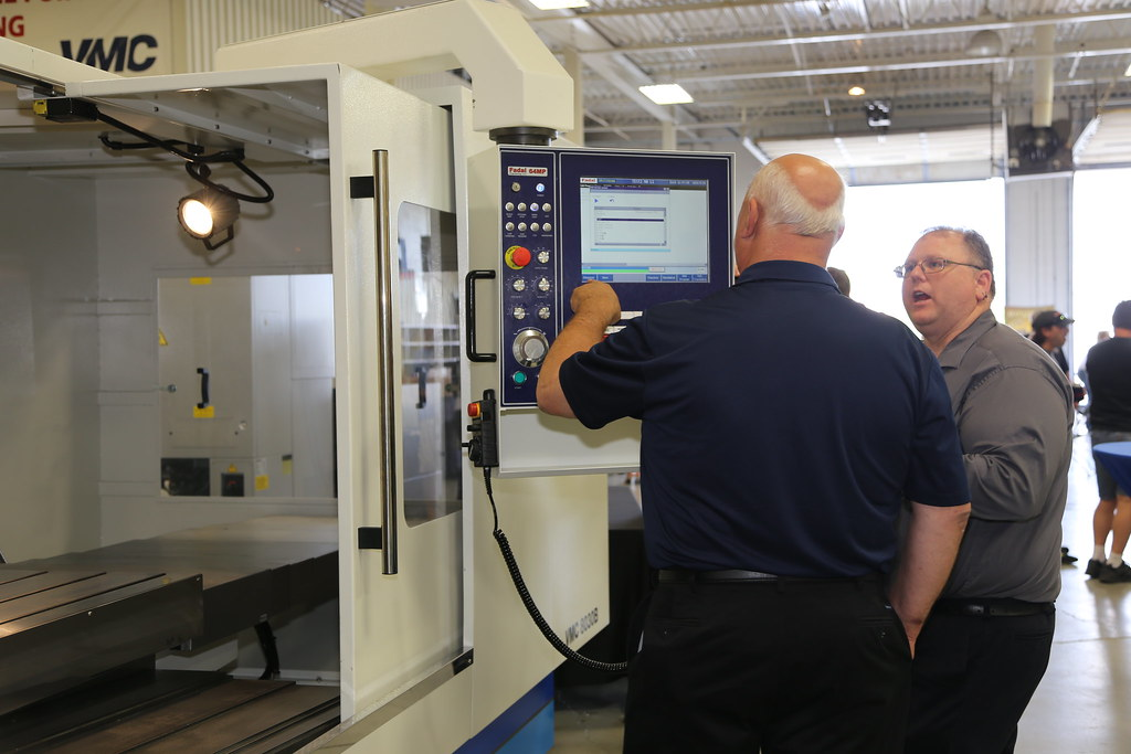 Ymt Machine Tools Vmc Technologies Inc Flickr