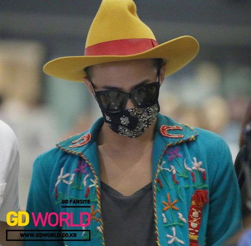 GDragon-Incheon-backfromLA-20140814 (5)
