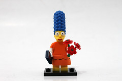 LEGO The Simpsons Minifigures Series 2 (71009) - Marge