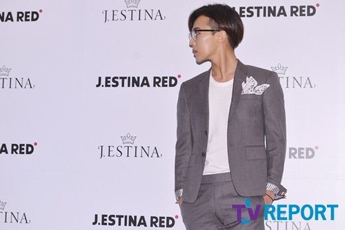 G-Dragon-JEstina-20140903(57)