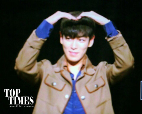 TOP-StageGreetings_Day2-20140907_(3)
