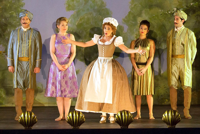 Production photo of Jan Philipp Gloger's Così fan tutte © ROH 2016. Photo Stephen Cummiskey