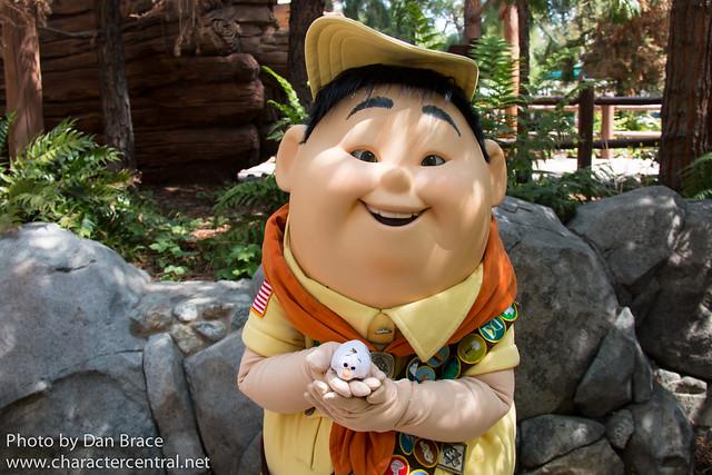 The Tsums adventures in Disneyland