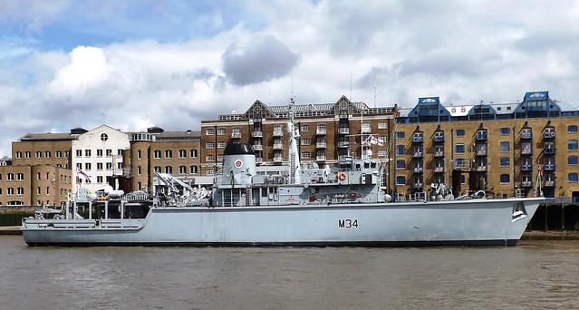 HMS Middleton (10) @ HMS President 25-04-15