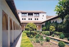 Palace courtyard 2