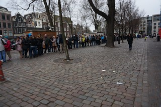 Round the block line at the Anne Frank House
