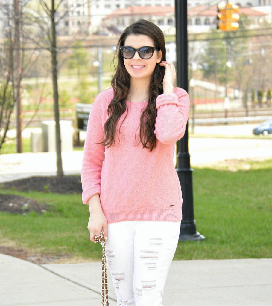 pink-white-purse