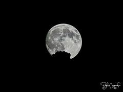 la luna e le montagne si toccano...