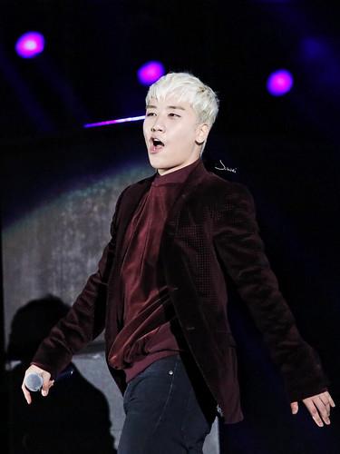 BigBang-MadeV.I.PTour-Nanchang-25mar2016-jingweiego-08