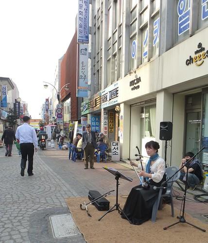 Co-Gwangju-Rue des arts (1)