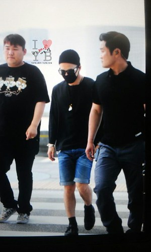 Big Bang - Incheon Airport - 29may2015 - Tae Yang - YB 518 - 06