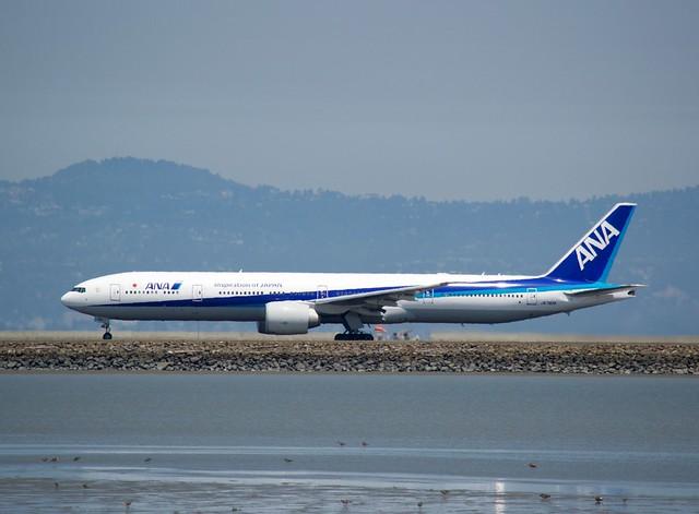 ANA 777 -300 JA 792A take-off roll, runway 28 DSC_0714