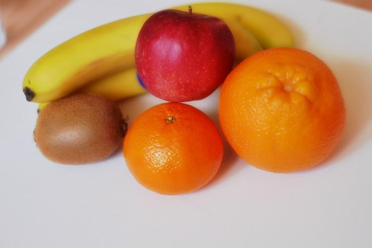 kcal owoce