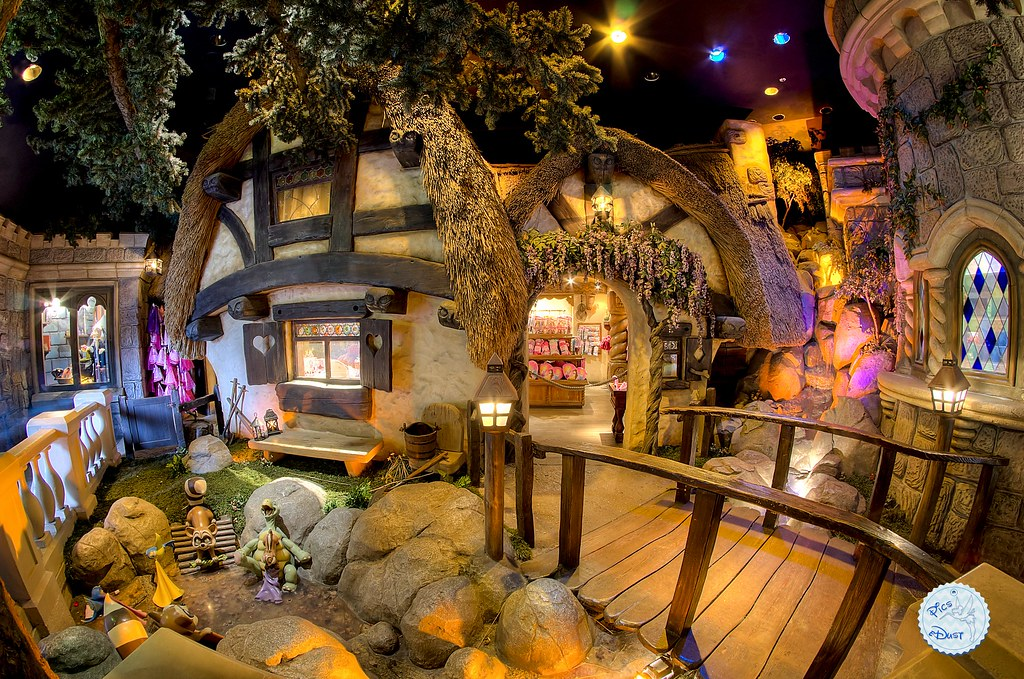 Seven Dwarfs' Cottage shop