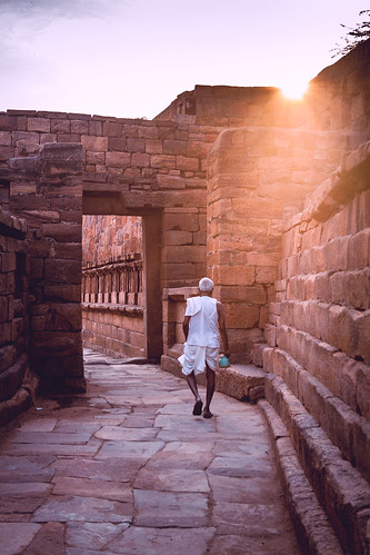 morning india architecture sunrise canon 1855 karnataka badami chalukya 1000d