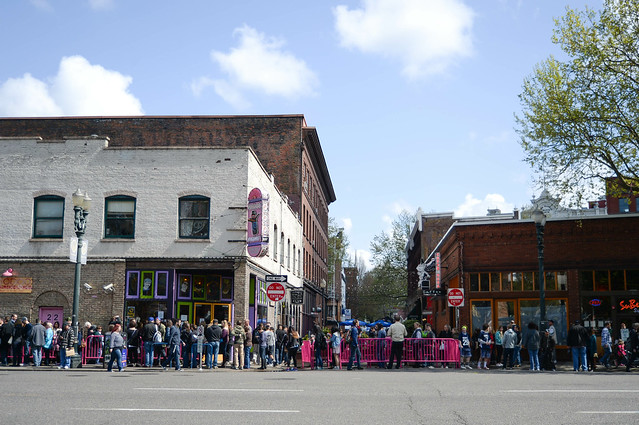the line at voodoo doughnuts