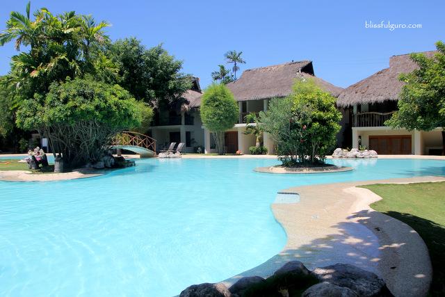 Maribago Bluewater Beach Resort Cebu Pool