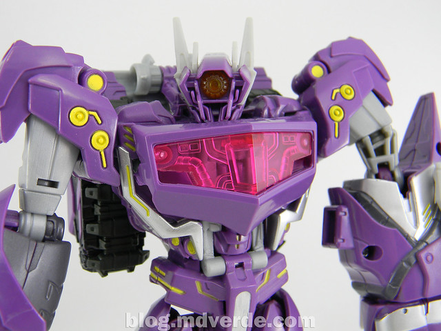 Transformers Shockwave Voyager - Generations SDCC Exclusive (Shockwave's Lab) - modo robot
