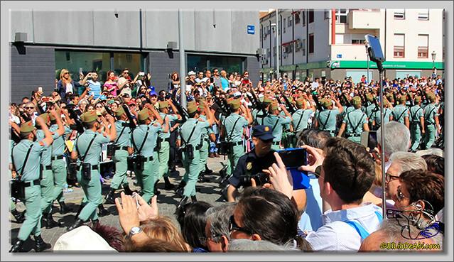 4 Semana Santa en Málaga. Cristo de Mena y Legionarios