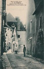 86. La Châtre. Quartier de la Tête Noire. Vieille Porte de l'Ancien Grenier à Sel (c.1920)