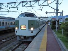 新宿駅発の夜行臨時快速「ムーンライト信州」号 朝6:10に扇沢に着ける便利な列車だが、運行日が少ないのが難
