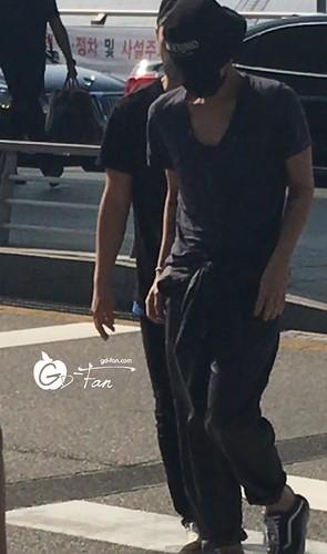 Big Bang - Incheon Airport - 05jun2016 - GD Fan - 03