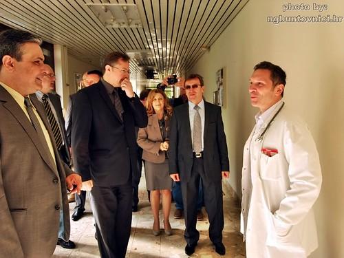 Ministar Siniša Varga u posjeti novogradiškoj bolnici