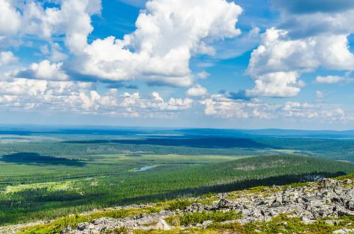 finland sunny day partly cloudy summer levi kittilä tunturi fell lapland landscape