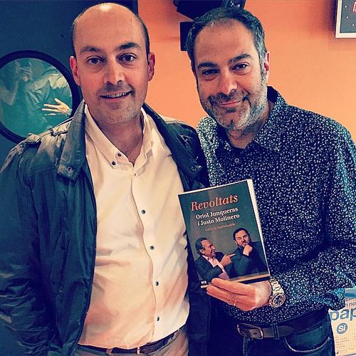 Amb en Toni Clapés al 'Versió RAC1' hem comentat l'àudio de la conversa entre Oriol @Junqueras i Justo Molinero per al llibre #Revoltats #Sublevados Un tastet del llibre de Sant Jordi #books #llibres #libros #barcelona #catalonia #catalunya #igmataro #ige