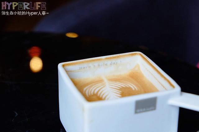 SOLA Caffé (34)