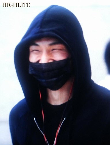 Big Bang - Incheon Airport - 10apr2015 - Dae Sung - High Lite - 02