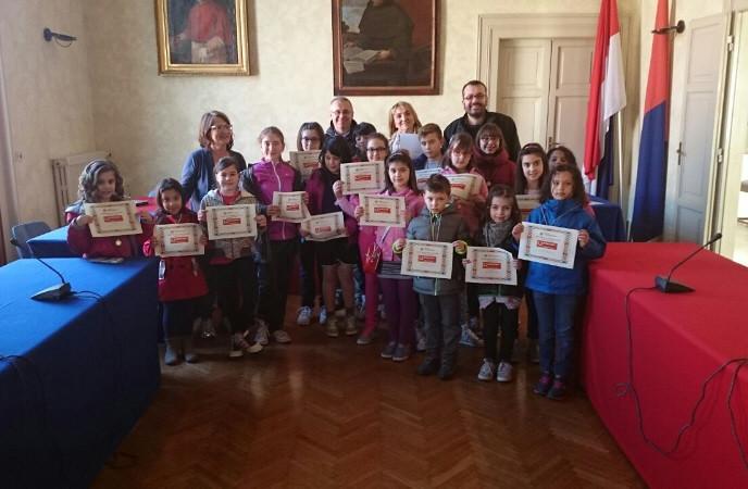 """L'Amministrazione comunale incontra i bambini  per """"Accendi la mente, spegni i pregiudizi"""""""