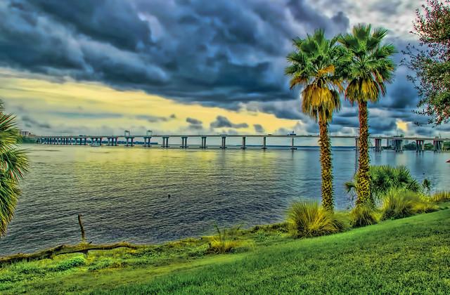 View of the Fuller Warren Bridge crossing the St. Johns River in Jacksonville, Florida, U.S.A.