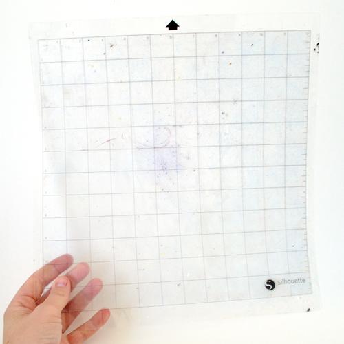 009-tack-it-silhouette-matt