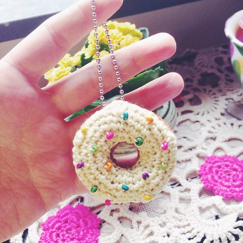 amigurumi donut complete with frosting, sprinkles and snoopervisors
