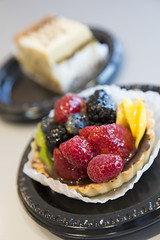 Mixed Fruit Tart, Il Fornaio Caffe Del Mondo, San Francisco International Airport