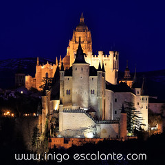 Segovia´s Alcazar and Cathedral at night