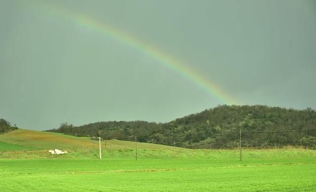 Arco iris en el campo