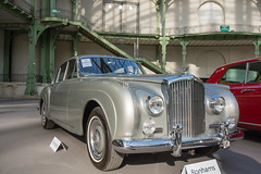 rolls-royce phantom vi(0.0), rolls-royce phantom v(0.0), jaguar mark 1(0.0), mitsuoka viewt(0.0), sports car(0.0), automobile(1.0), bentley s2(1.0), vehicle(1.0), bentley s1(1.0), automotive design(1.0), rolls-royce silver cloud(1.0), mid-size car(1.0), antique car(1.0), sedan(1.0), vintage car(1.0), land vehicle(1.0), luxury vehicle(1.0), bentley(1.0),