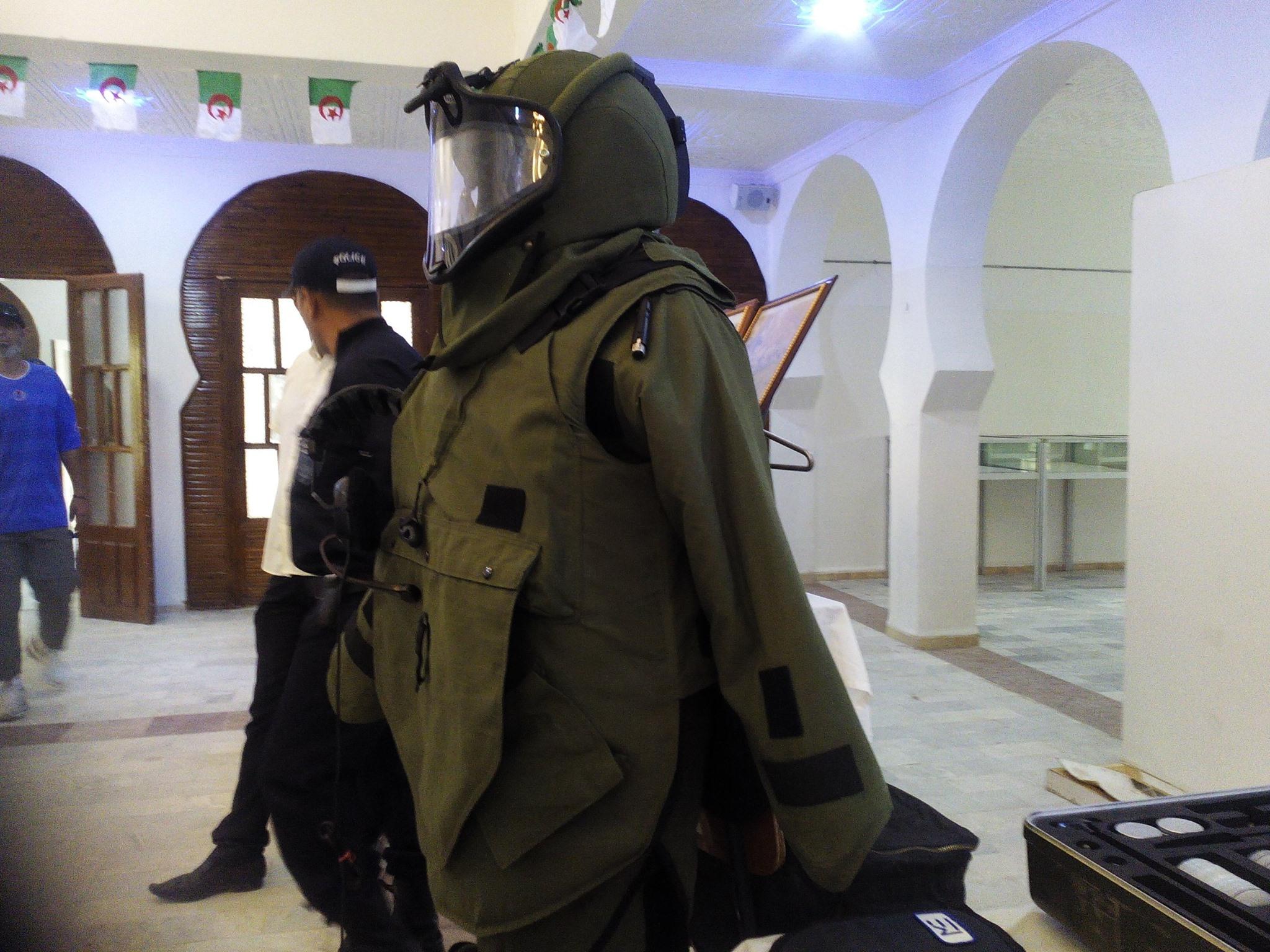 البذلات الجيش الوطني الشعبي الجزائري [ ANP / GN / DGSN / Douanes ]  - صفحة 6 27883847424_3675596d53_o