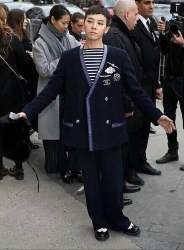 G-Dragon Chanel Haute Coutoure at Grand Palais Paris 2016-01-26 12