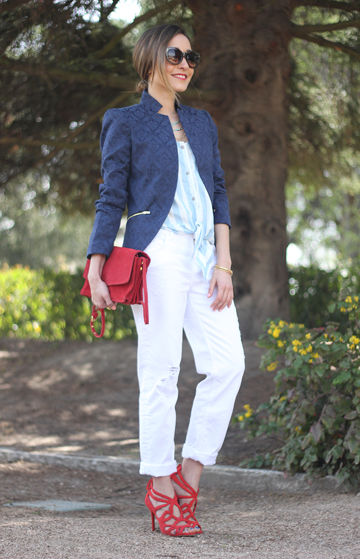 white boyfriend jeans zara blue blazer suiteblanco red sandals22