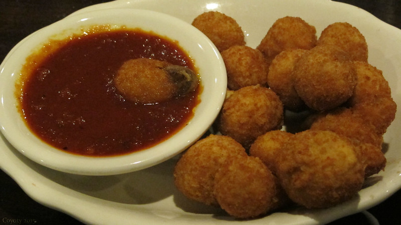 Good Fry Day: Fried mushrooms and sauce