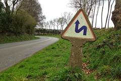 Chateauneuf-du-Fau, Panneaux de signalisation routière Michelin, France 2015_IMG_2258