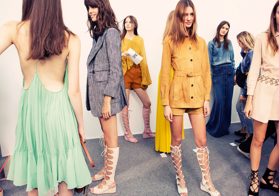 gladiator-sandals-fashion-outfit-catwalk